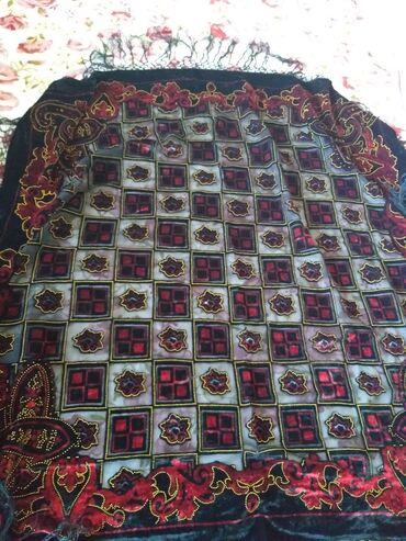 зимний платок в Кыргызстан: Продаю Новые новые платки большой 80на 80 1на 1. (((1я фото 1на1разм