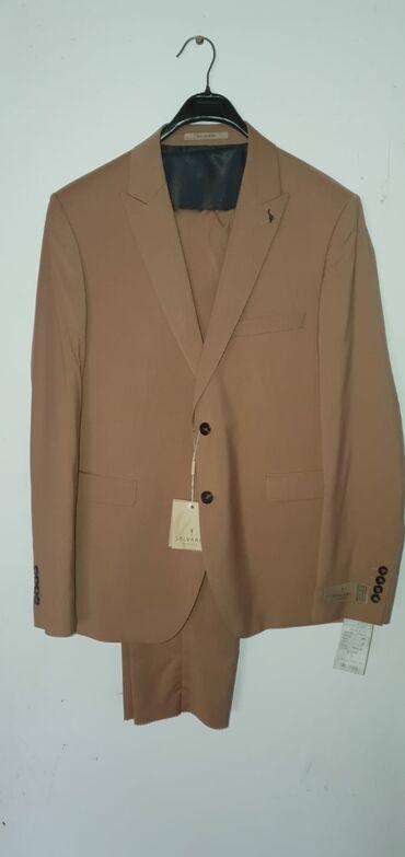 "Продаю турецкий костюм ""тройка "".Заказал но размер маленький. 54 раз"