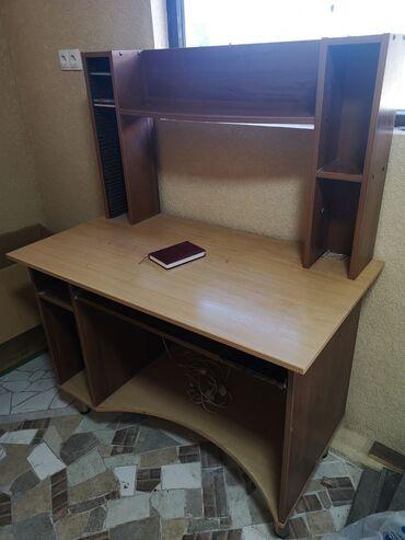 ламинаторы функция антизамятия для офиса в Кыргызстан: Добротный компьютерный стол Есть небольшие сколы но не критичные