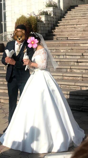 свадебное украшения в Кыргызстан: Продаётся красивое, раскошное свадебное платье. Цвет Айвори и тренд