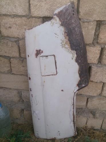 zapchasti aksessuary gaz 21 в Азербайджан: Qaz 21 ucun arxa qanad usten cixma yaxsi veziyyetde.qiymetde cuzi