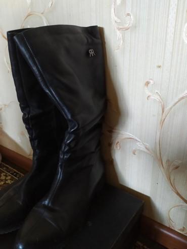 сапоги высокого качества в Кыргызстан: Продаю кожаный натуральный женский сапог. почти новая цена 4000 сомов