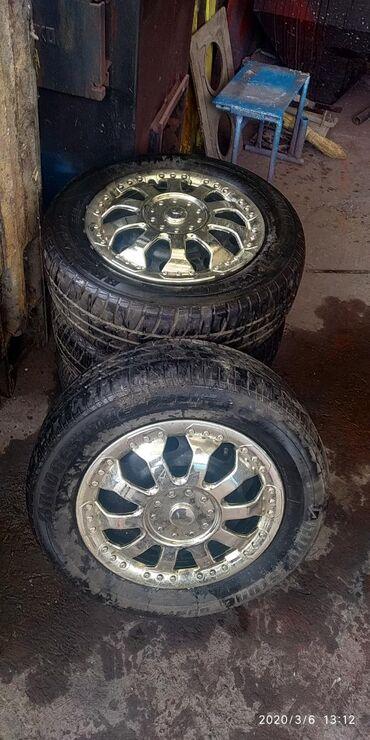 шины r13 в Кыргызстан: Диски и шины и колпаки от Мазды Демио 2000 и выше R13 цена 12 тыс