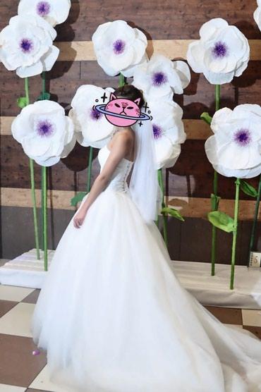 Свадебное платье, на корсете со шлейфом. в Бишкек