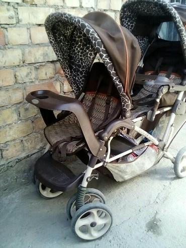 детские коляски для погодок в Кыргызстан: Коляска для двойни или погодок  коляска в хорошом состоянии