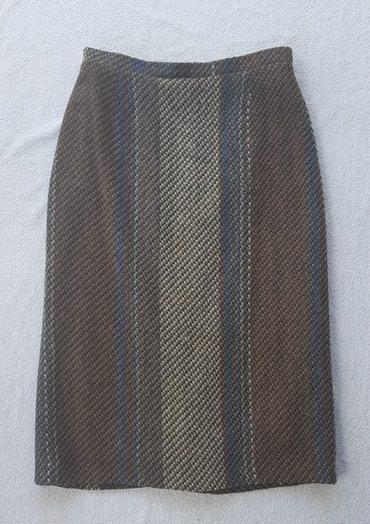 Runske vune - Srbija: Vunena suknja, vel. 40/42 savršeno očuvana. Označena veličina 42