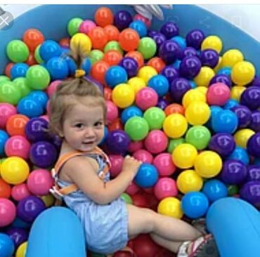 Oyuncaqlar - Xırdalan: Rəngli toplar hovuzlar ördəklər uşaqların sevincinə səbəb olacaq