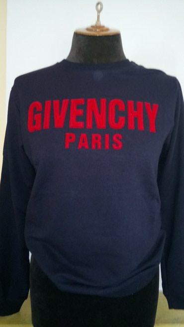 Givenchy duks odlicnog kvaliteta. Dostupne velicine S i M - Belgrade