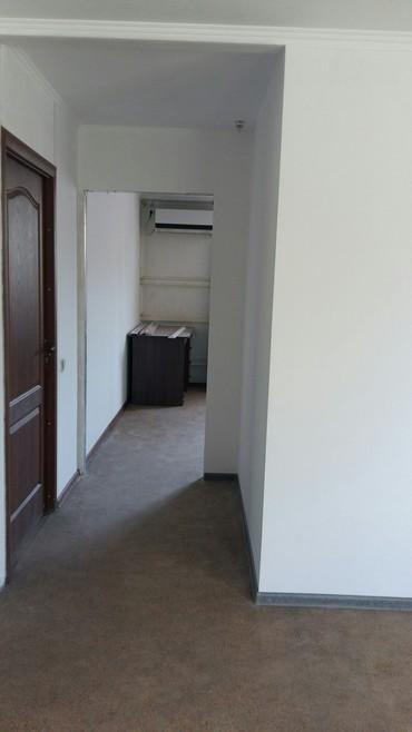 офис в аренду без посредников в Кыргызстан: Сдаю 1комн под, офис лев толстой баха без посредников