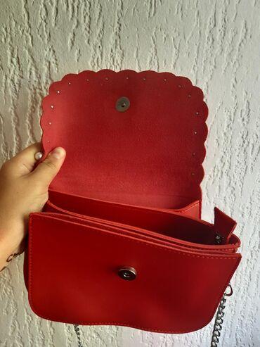 NOVA - crvena torbica sa biserima