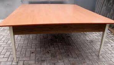 Продаю новый раскройный стол, размер :1,53 х 1,83. 3 микрорайон. Фото