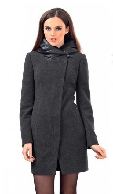 Пальто - Сокулук: Продаю чёрное пальто 42-44размер в отличном состоянии,покупала в