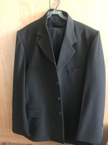 жилет мужской в Кыргызстан: Продаю мужской Костюм тройка: пиджак, брюки и жилетка Новый. Размер на
