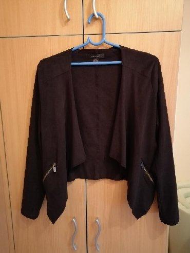 Amisu-sako - Srbija: Amisu jaknica/sako, nosen, ima dve rupice na rukavima ali sa