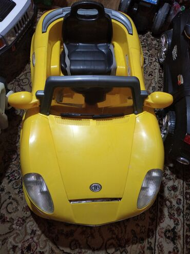пульт для машины в Кыргызстан: Детская машинка в хорошем состоянии с пультом управления ( акомулятор