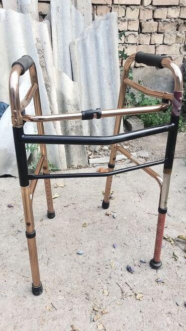 Продаются ходунки для пожелых или травмированных 3000 б/у состояние