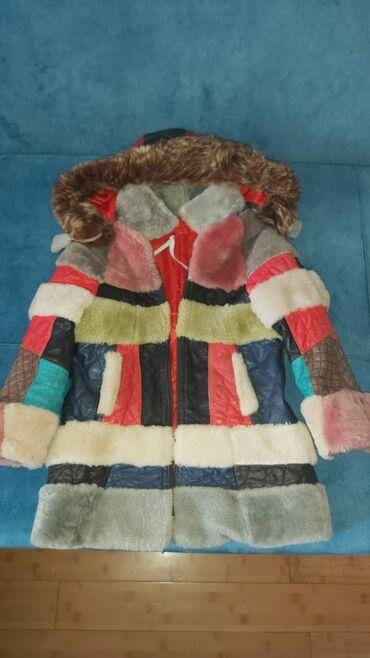 Детская одежда и обувь - Азербайджан: Продаю теплую дублёнки,на копюшоне мех енота в отличном состоянии на