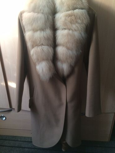 пальто в Кыргызстан: Продаю пальто женское размер 38 новая Турция Звонить по телефону