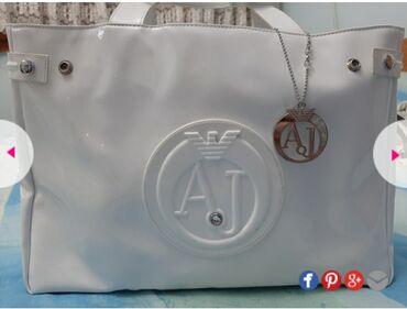 Original Armani torba na snizenju sa 6000 na 3000