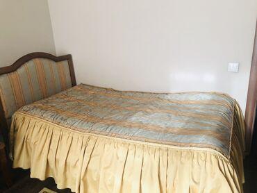 Гарнитуры - Кыргызстан: Продаю всю мебель. Кровать односпальная, рабочий стол, стулья 4 штуки