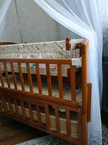 dvuhjarusnaja-krovat-dlja-detej-i в Кыргызстан: Кровать в хорошем состоянии