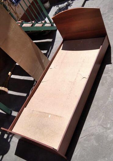 Мебель - Кара-Суу: Кровать односпальная, в хорошем состоянии