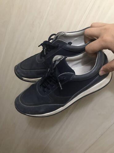 made in italy tufli в Кыргызстан: Кожаные кроссовки из Италии в отличном состоянии 38 размер. На подошв