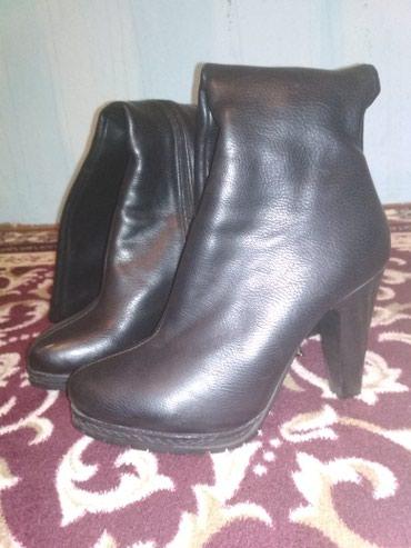 Продаю женские кожаные сапоги размер в Бишкек