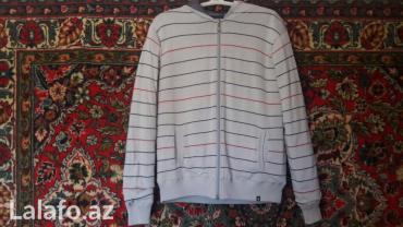 Bakı şəhərində Куртка мужская новая с капюшоном