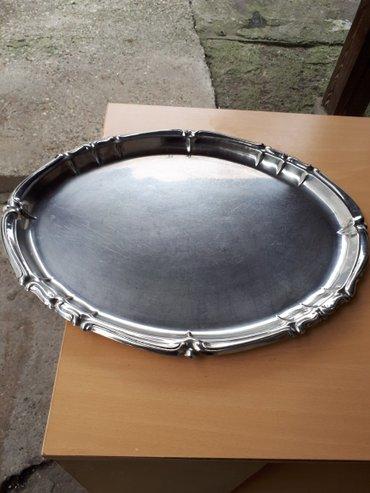 Ovalni masivni inox posluzavnik dimenzije duz. 46 cm. Sirina 36 cm - Beograd