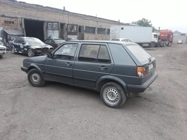 Volkswagen Golf 1988 в Бишкек