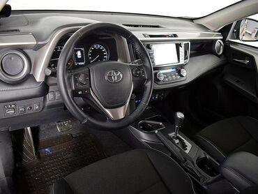 Toyota RAV4 2 л. 2017 | 40400 км