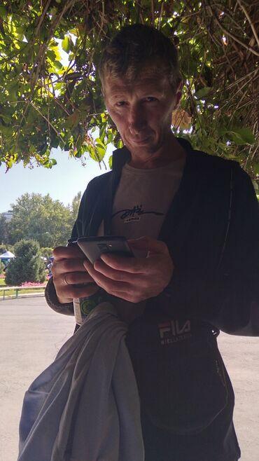 Столяр - Кыргызстан: Ищу работу разнорабочего или столяра плотника(инструмента нет) так ка
