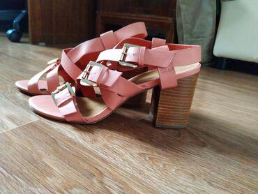 Новая обувь! Фирменные Кожа натуральная. Брала дороже