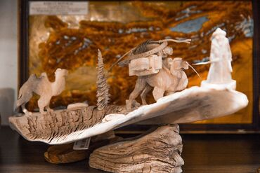 фарфоровая фигурка в Кыргызстан: Изделия из рога!!! статуэтки и композиции из рога, выполнены