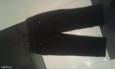 Trofrtaljne crne pantalone na peglu belicina s - Backa Palanka