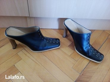 Papuče sa štiklom 38vrlo malo nošene, u super stanju. Veličina piše - Nis