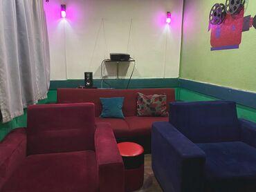 Комплект стол и стулья   Офисный, Для кафе, ресторанов, Гостевой   на 4-6 персон