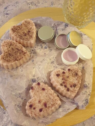 Prirodna kozmetika, glicerinski sapuni od maslinovog ulja, lavande i