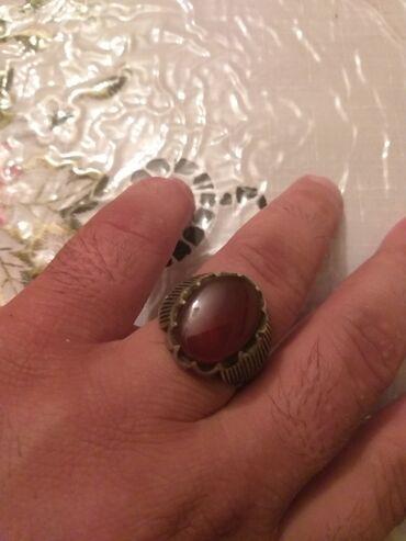 Gümüş üzük əqiq qaşlı Kərbəladan almışam ehtiyac olduğu üçün satıram