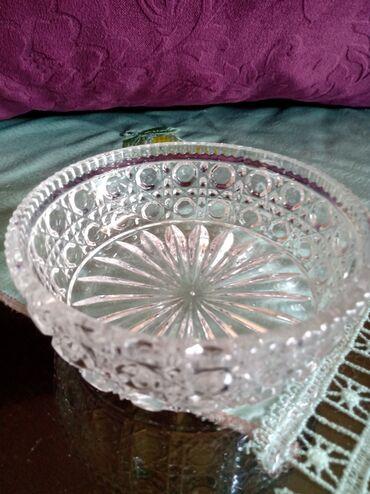 Porcelan - Srbija: Cinija nova Zajecar porcelan. Visina. 4,5cm. precnik. 12cm