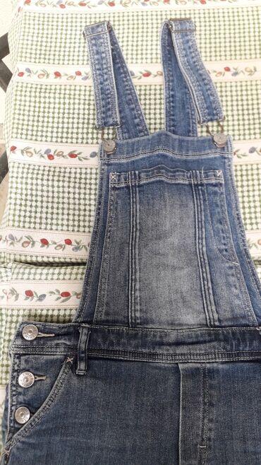 Jeans kombinezon za devojcice,marke h und m u odlicnom stanju.Za