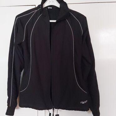 Sportska ženska jakna crna marke H2O .Veličina S.Vrlo malo nošena.Kao