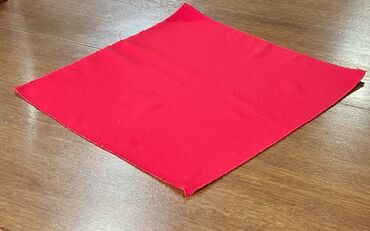 Салфетка красная, размер 43 см х43 см-новая