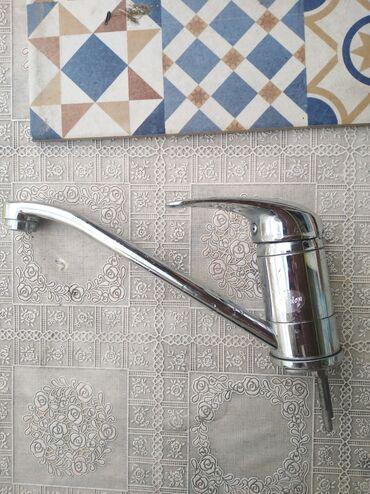 Slavina Diplon nova nekoriscena,montira se na umivaonik i sudoperu