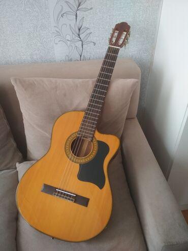 Flames səhnə gitarası, classic, futlyar, kapo, kabel təzədir istifade