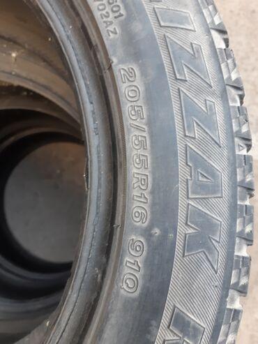 шины 205 55 r16 зима в Кыргызстан: Продаю резину 4штуки размер 205/55/R16 цена 7000 сом