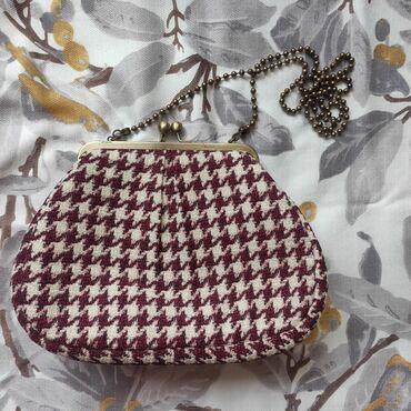 287 объявлений   СУМКИ: Оригинальная вечерняя сумочка Sali Bags, с цепочкой.Носила два-три