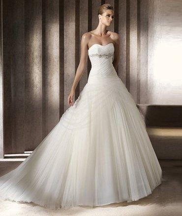 Свадебное платье на прокат pronovias (Испания) покупала в салоне la sp в Бишкек
