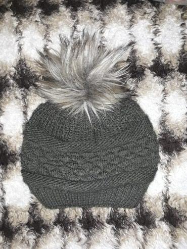 Nova zenska zimska kapa sa pufnicom,maslinaste zelene boje.Idealna za - Vranje